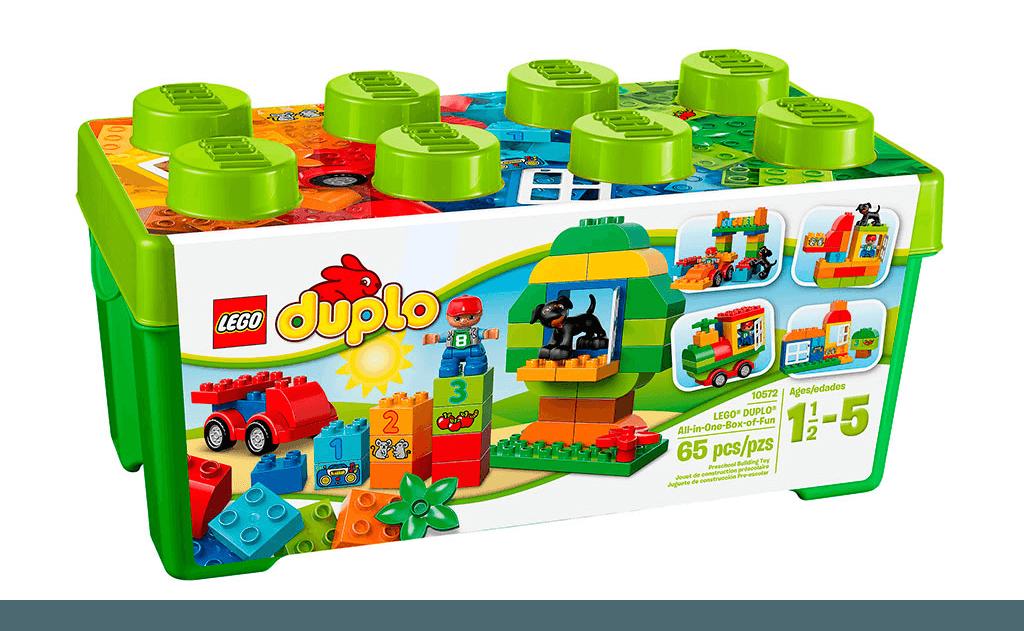 Яскраво-зелена коробка у вигляді цеглинки Lego дійсно таїть в собі веселощі! Величезні різнокольорові кубики з цифрами і різними предметами, деталі самих різних форм і кольорів, гарна мініфігурка - все це займе дитини на довгі години активної розвиваючої гри.