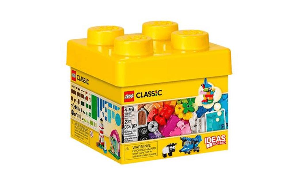 Середній за кількістю кубиків набір ЛЕГО 10692 для вільної творчості дозволить дитині втілювати в кубиках будь-які ідеї та фантазії, будови та машини, тварини і предмети побуту, фантастичні істоти - все це можна зробити, завдяки набору LEGO 10692