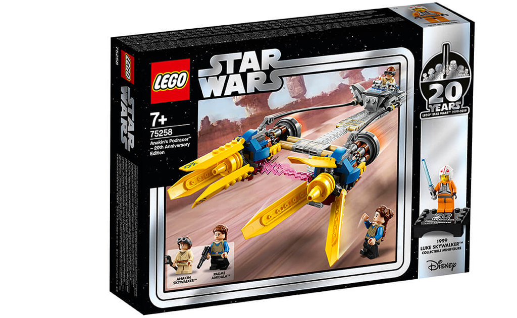 Конструктор LEGO Star Wars 75258 «Гоночний під Енакина: випуск до 20-річного ювілею», оснащений великими двигунами, висувними клапанами, відкритою кабіною для розміщення мініфігурки молодого Енакина і зручною ігровий ручкою.