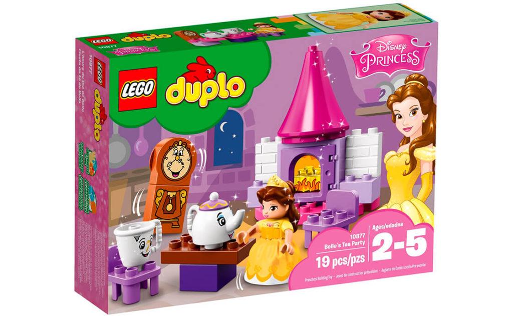 Завітайте до кухні зачарованого замку поспівати й потанцювати із прекрасною діснеївською Белль та її новими друзями.